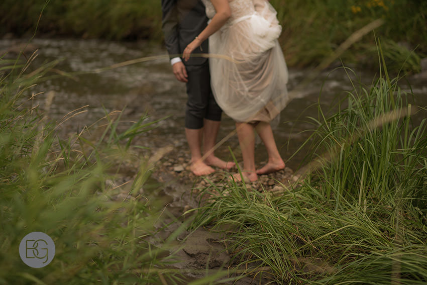 Edmonton_wedding_photographers_KelceyDavid_intimate_backyard_ceremony_20.jpg