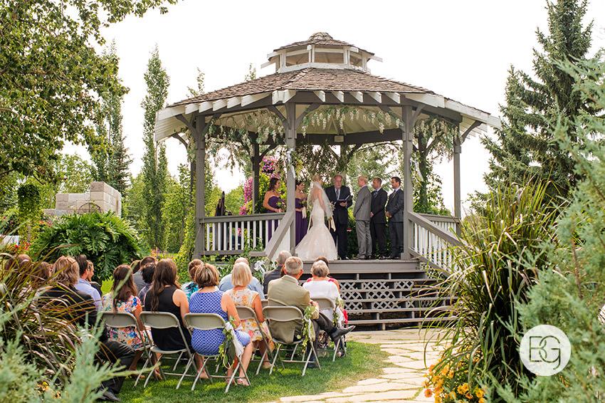 best-Edmonton-rustic-wedding-floral-decor-photographers-kelseydan-03.jpg