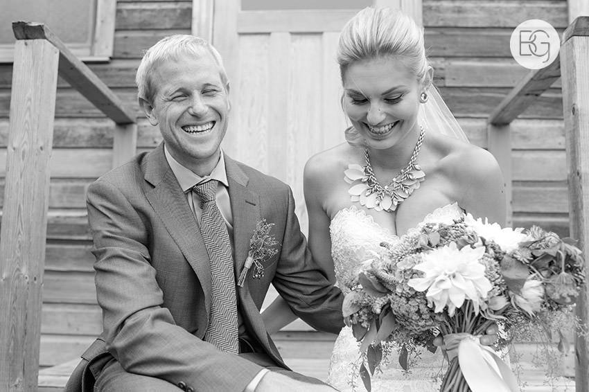 best-Edmonton-rustic-wedding-floral-decor-photographers-kelseydan-17.jpg