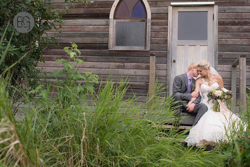 best-Edmonton-rustic-wedding-floral-decor-photographers-kelseydan-19.jpg