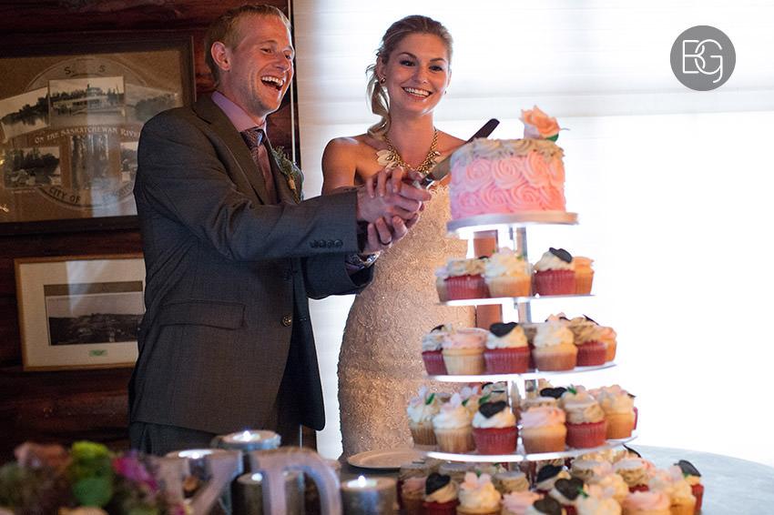 best-Edmonton-rustic-wedding-floral-decor-photographers-kelseydan-21.jpg