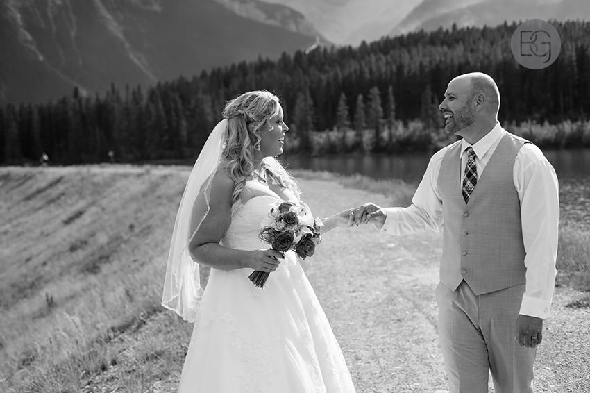 Canmore_wedding_photographers_Michelle_Nathan15.jpg