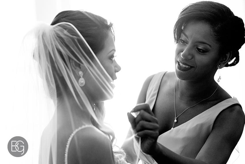Edmonton-wedding-photographers-art-gallery-of-alberta-aga-basilica-yvonne-chris-04.jpg