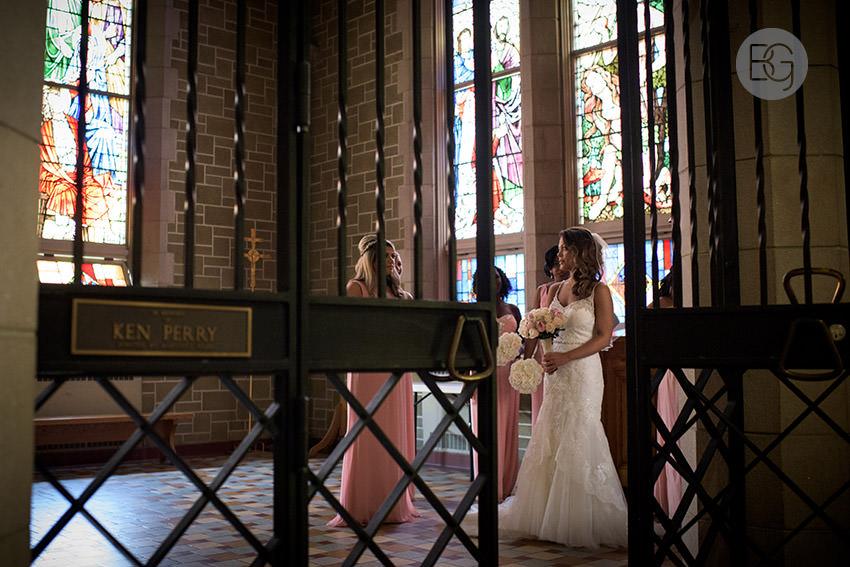 Edmonton-wedding-photographers-art-gallery-of-alberta-aga-basilica-yvonne-chris-09.jpg