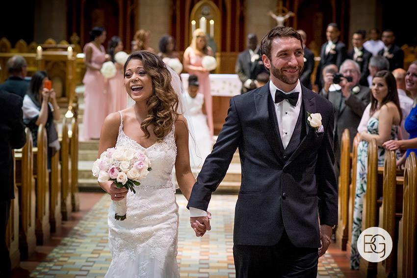 Edmonton-wedding-photographers-art-gallery-of-alberta-aga-basilica-yvonne-chris-18.jpg