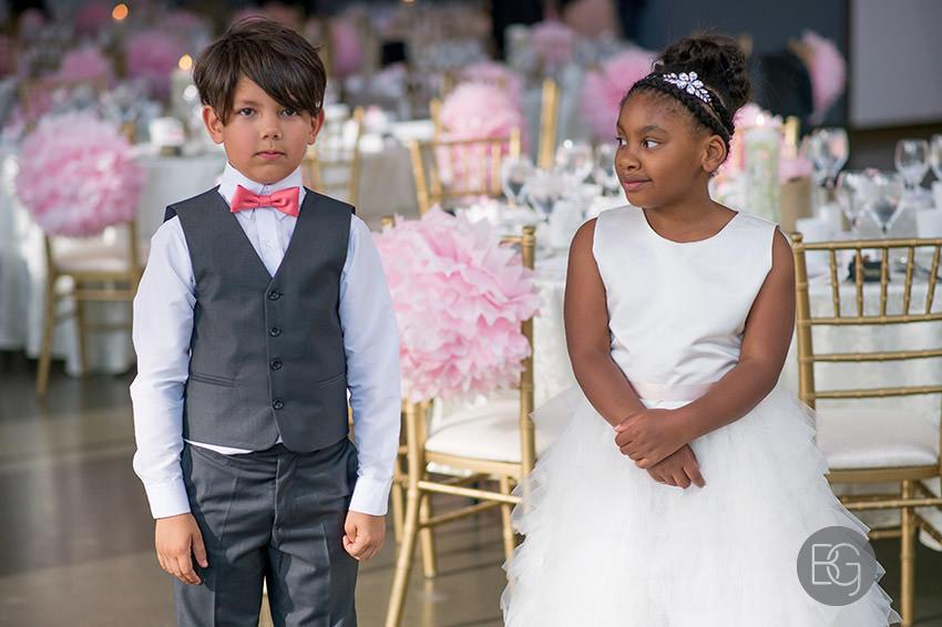 Edmonton-wedding-photographers-art-gallery-of-alberta-aga-basilica-yvonne-chris-27.jpg