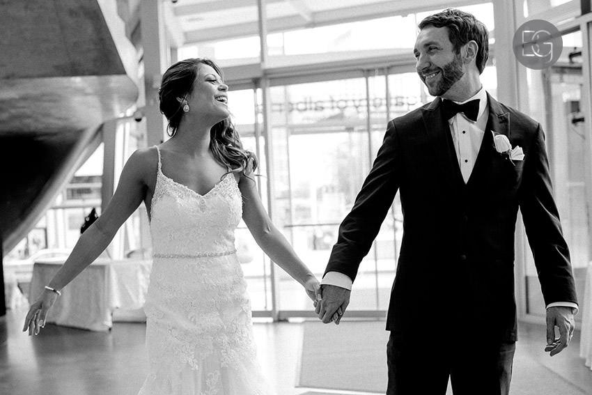 Edmonton-wedding-photographers-art-gallery-of-alberta-aga-basilica-yvonne-chris-29.jpg