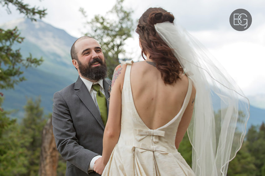 Jasper-wedding-photographers-tekarra-lodge-14.jpg