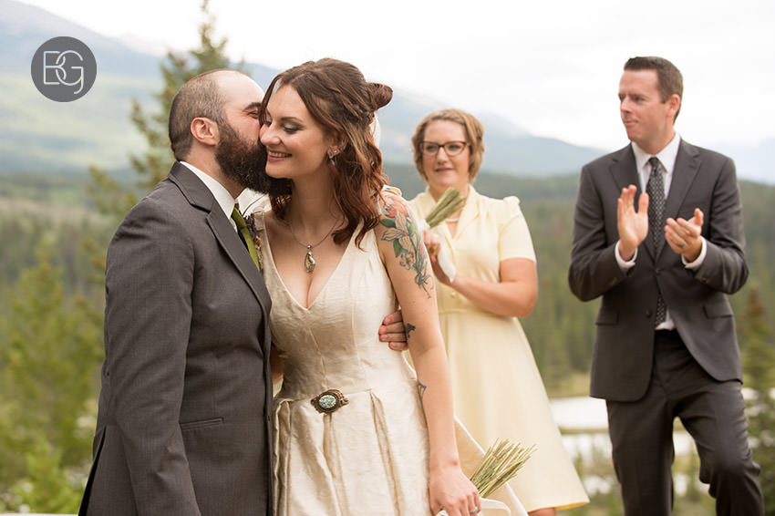 Jasper-wedding-photographers-tekarra-lodge-18.jpg