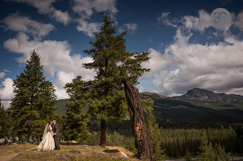 Jasper-wedding-photographers-tekarra-lodge-22.jpg