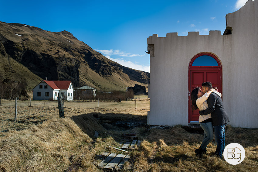 Iceland-wedding-photographers-jokulsarlon-vik-engagement-rajeileen-02.jpg