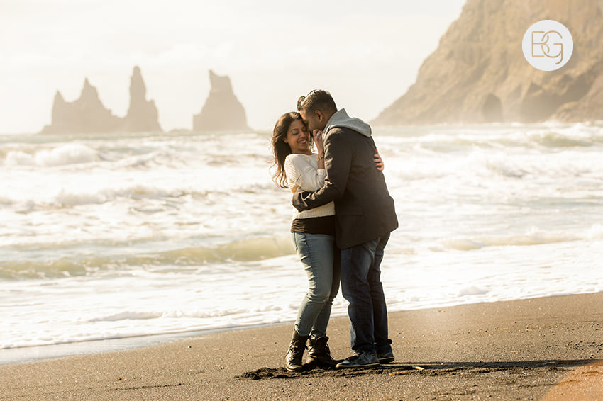 Iceland-wedding-photographers-jokulsarlon-vik-engagement-rajeileen-04.jpg