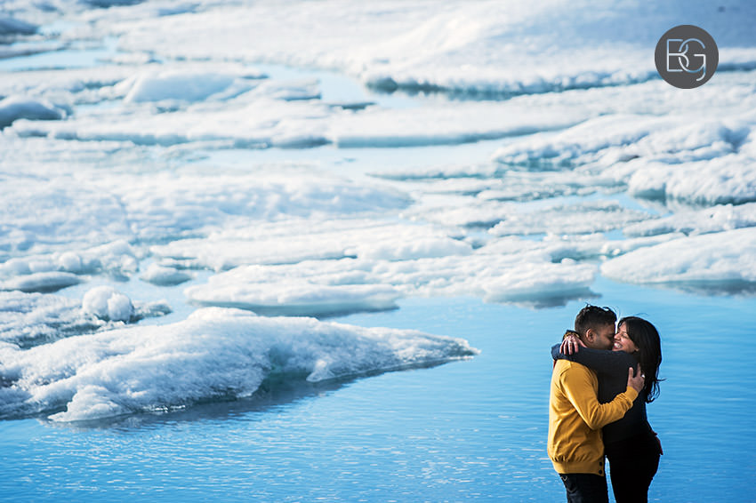 Iceland-wedding-photographers-jokulsarlon-vik-engagement-rajeileen-16.jpg
