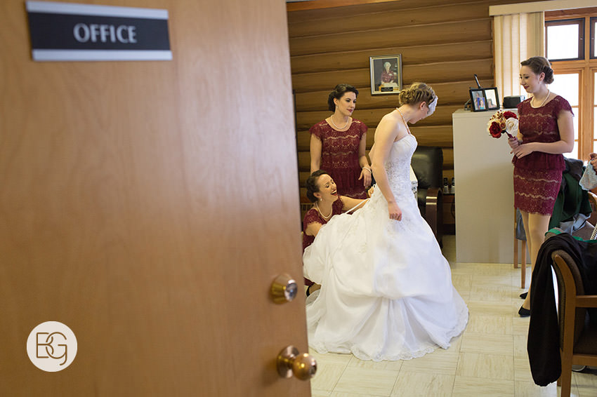Edmonton_Wedding_photographers_winter_fort_edmonton_park_christinapatrick_03.jpg