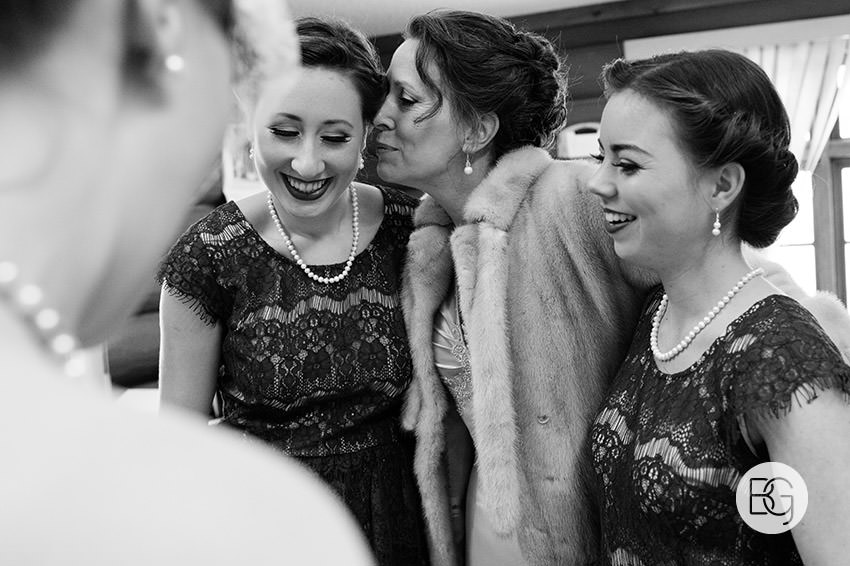 Edmonton_Wedding_photographers_winter_fort_edmonton_park_christinapatrick_04.jpg