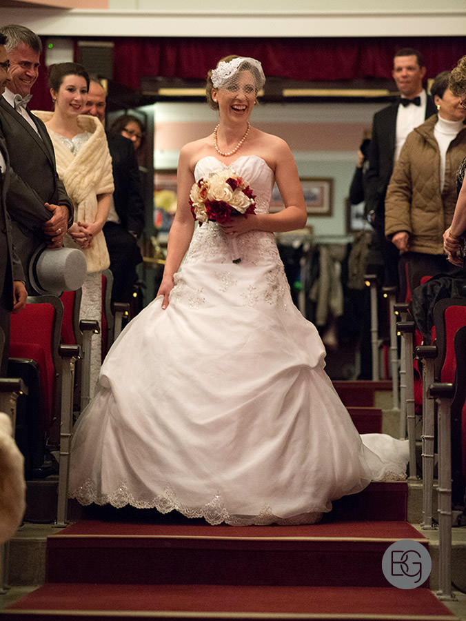 Edmonton_Wedding_photographers_winter_fort_edmonton_park_christinapatrick_09.jpg