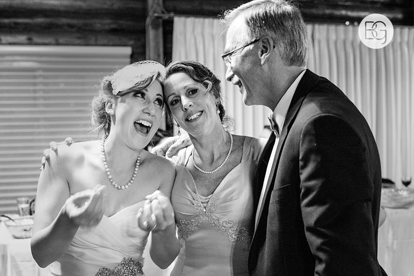 Edmonton_Wedding_photographers_winter_fort_edmonton_park_christinapatrick_38.jpg