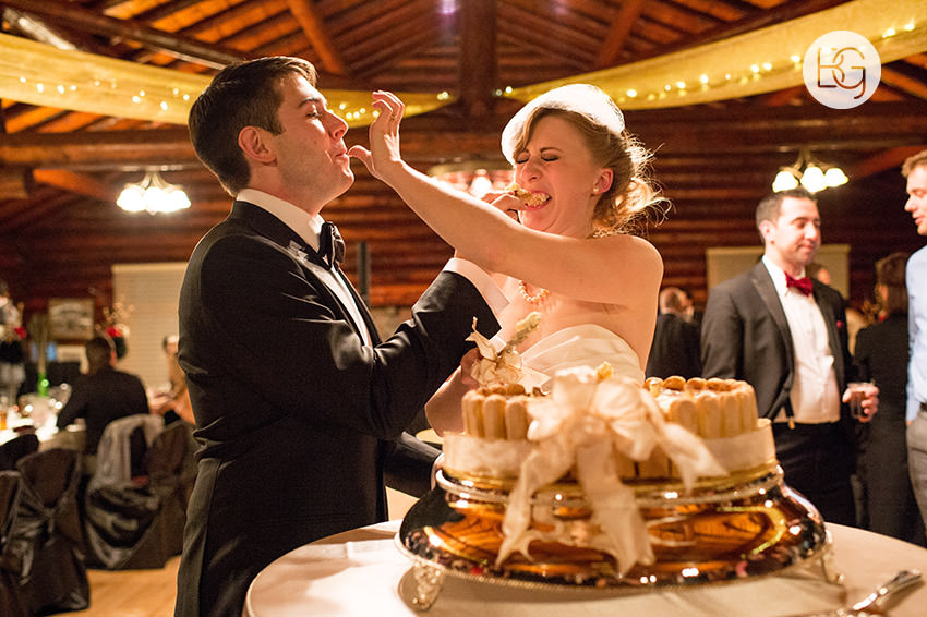 Edmonton_Wedding_photographers_winter_fort_edmonton_park_christinapatrick_39.jpg