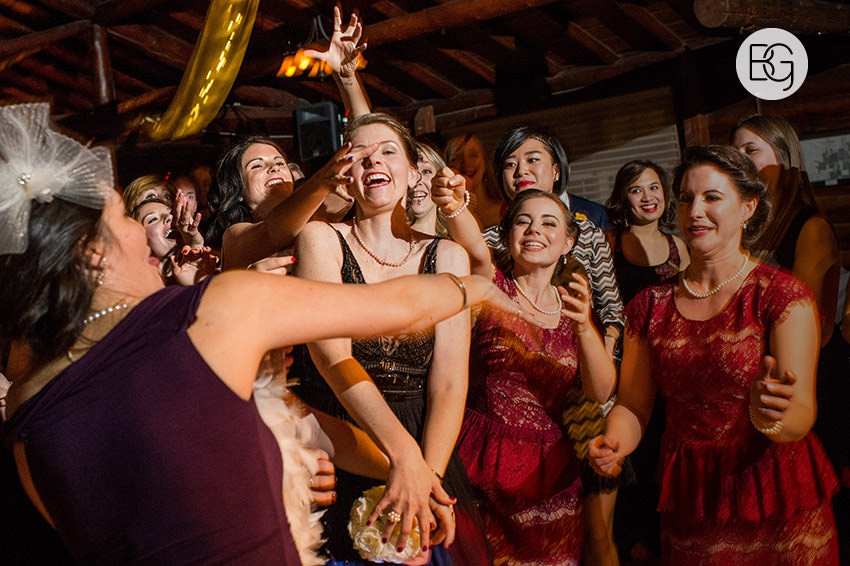 Edmonton_Wedding_photographers_winter_fort_edmonton_park_christinapatrick_56.jpg