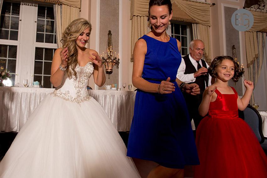 Edmonton-wedding-photographers-christina-caillin-29.jpg