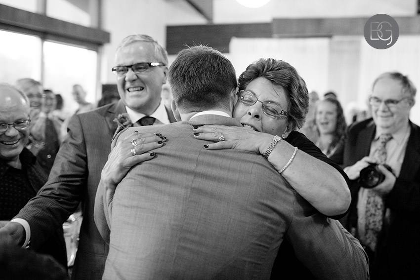 Edmonton_wedding_photographers_helen_rick_26.jpg