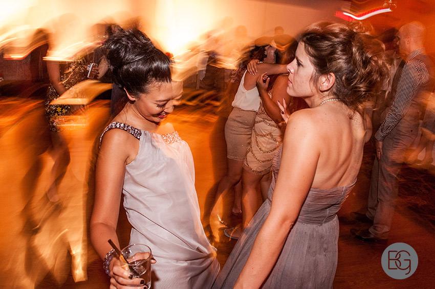 Edmonton_wedding_photographers_helen_rick_42.jpg
