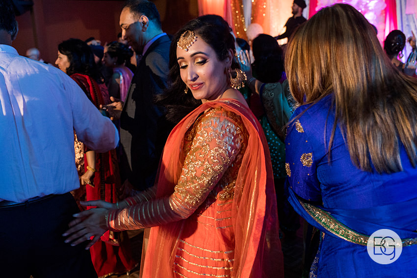 edmonton_Sikh_indian_wedding_photographer_ravneetHarman01.jpg