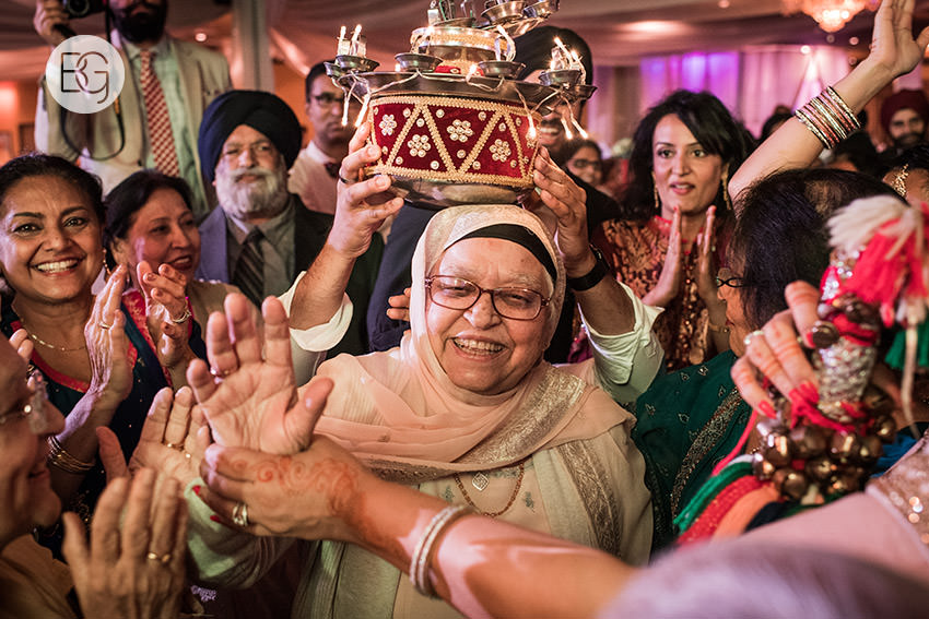 edmonton_Sikh_indian_wedding_photographer_ravneetHarman05.jpg