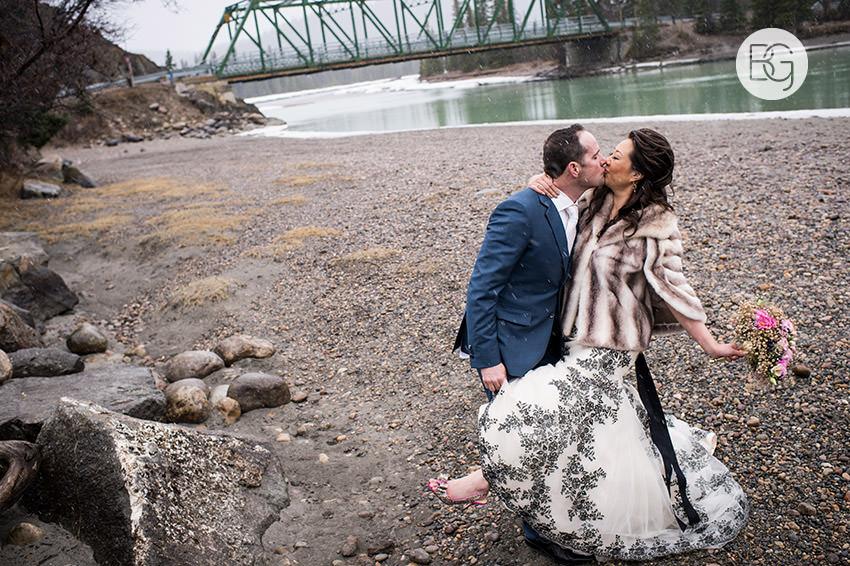 Edmonton-wedding-photographer-jasper-park-lodge-adrienne-ben-22.jpg