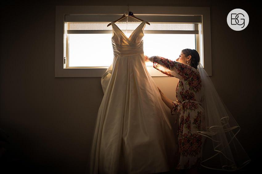 Edmonton_Wedding_photographers_art_gallery_alberta_paige_george05.jpg