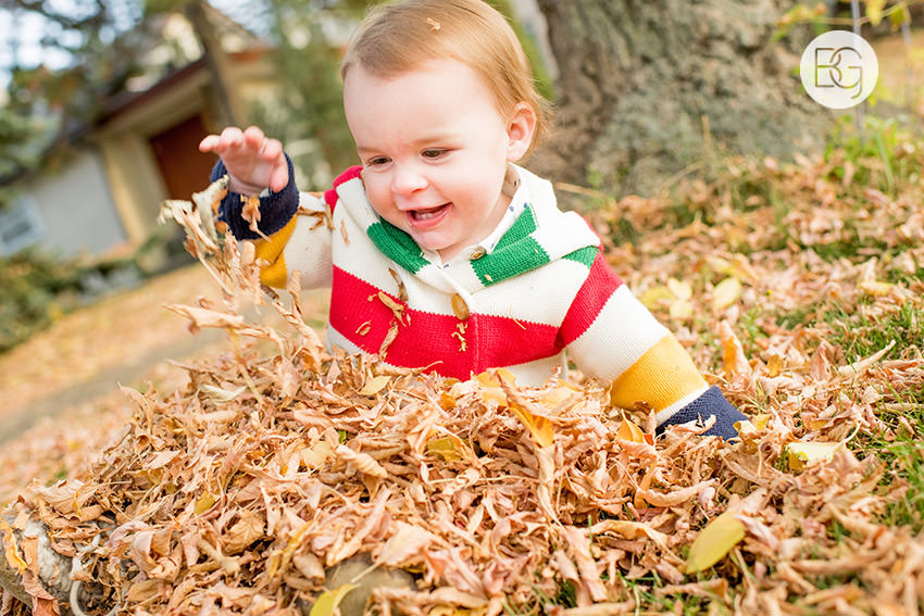Edmonton-family-photos-autumn-cheeky-matt-02.jpg