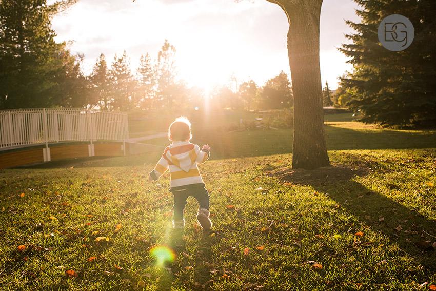 Edmonton-family-photos-autumn-cheeky-matt-06.jpg