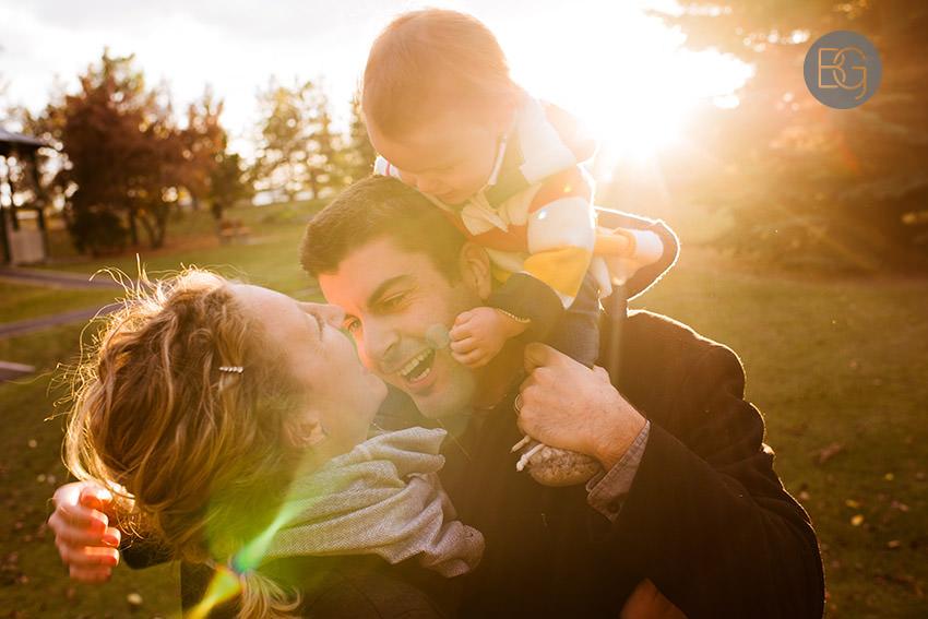 Edmonton-family-photos-autumn-cheeky-matt-08.jpg