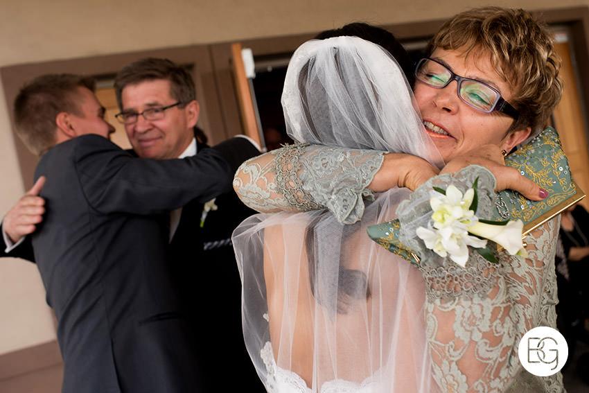 Edmonton-wedding-photographer-AmandaMike-14.jpg