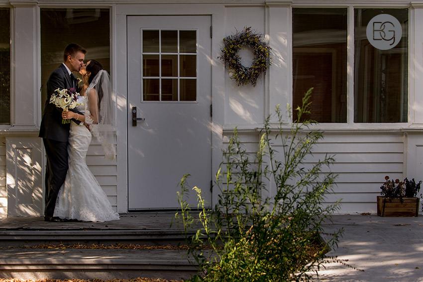 Edmonton-wedding-photographer-AmandaMike-20.jpg