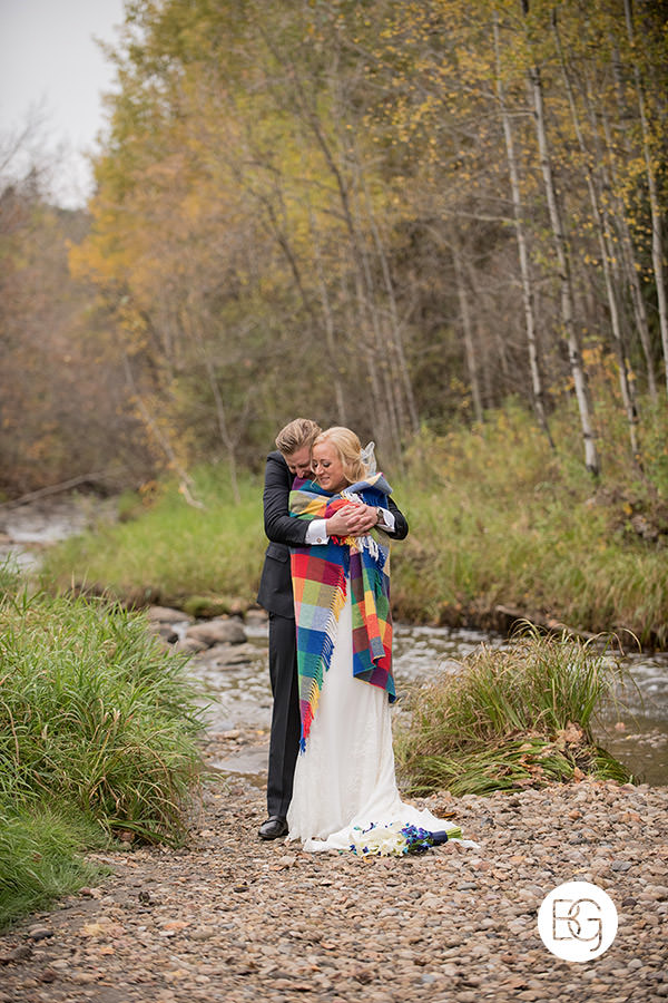 cute wedding mill creek ravine autumn blanket cuddly