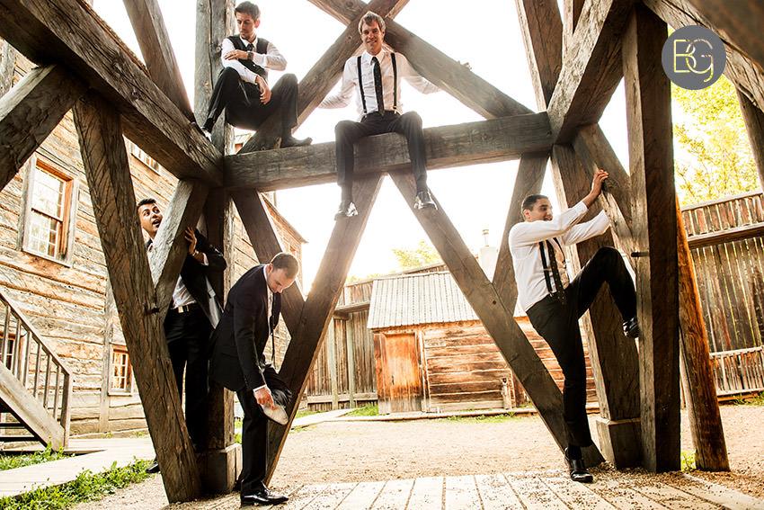 Edmonton_wedding_photographers_fort_edmonton_calgary_shannonkyle_23.jpg
