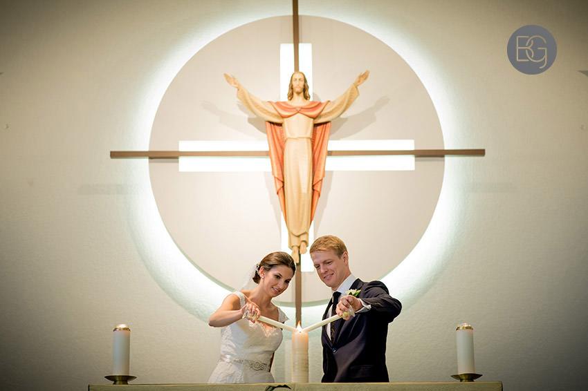 Edmonton-wedding-photographers-calgary-bridal-photography-photojournalism-nick-teresa-13.jpg