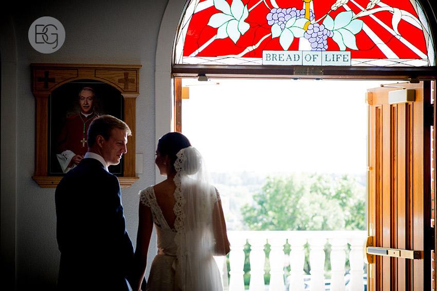 Edmonton-wedding-photographers-calgary-bridal-photography-photojournalism-nick-teresa-15.jpg