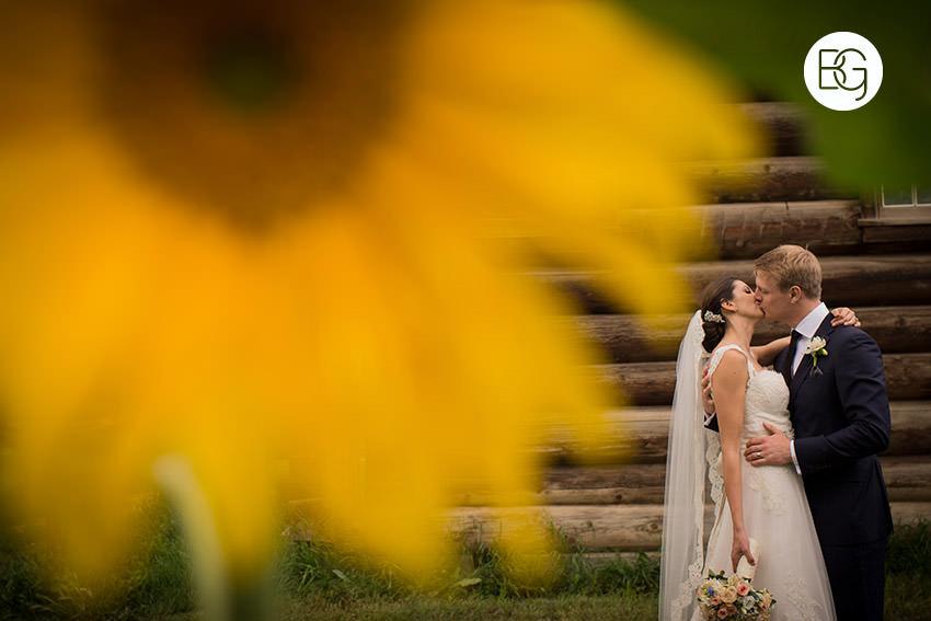 Edmonton-wedding-photographers-calgary-bridal-photography-photojournalism-nick-teresa-28.jpg