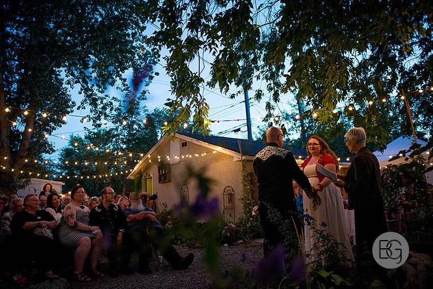 edmonton-wedding-photographers-coral-ted-backyard-summer-20.jpg