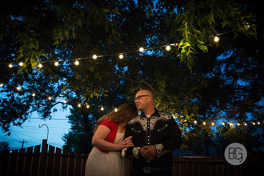 edmonton-wedding-photographers-coral-ted-backyard-summer-26.jpg