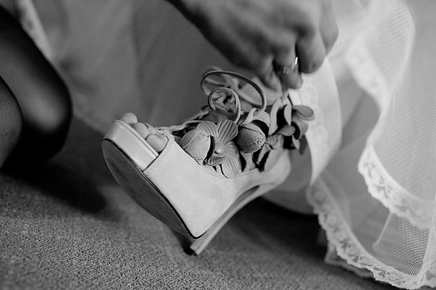 Edmonton-wedding-photographers-calgary-weddings-vanessamatt-09.jpg