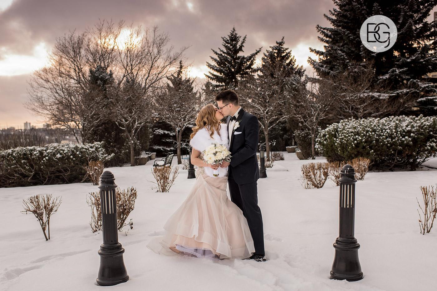 Lauren_Blair_NYE_edmonton_wedding_photographers_26.jpg