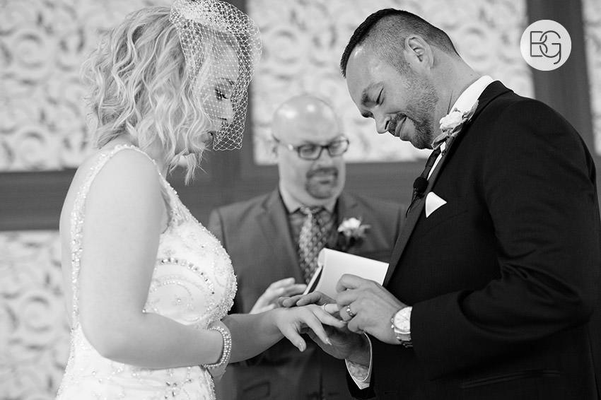Edmonton_wedding_photographers_delta_south_top_of_the_inn_taylor_kail_24.jpg