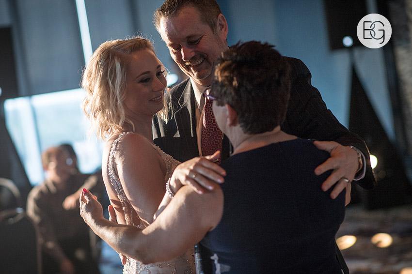 Edmonton_wedding_photographers_delta_south_top_of_the_inn_taylor_kail_29.jpg