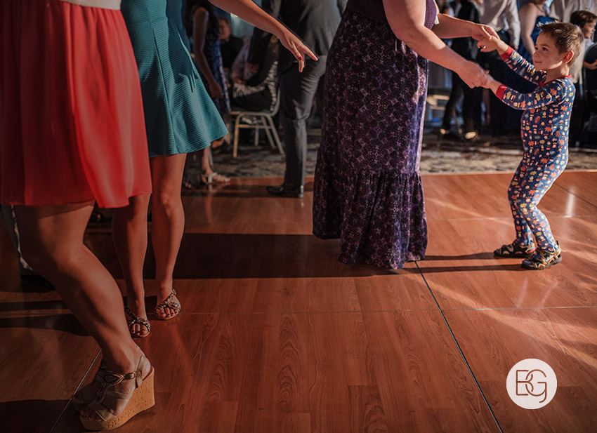 Edmonton_wedding_photographers_delta_south_top_of_the_inn_taylor_kail_34.jpg