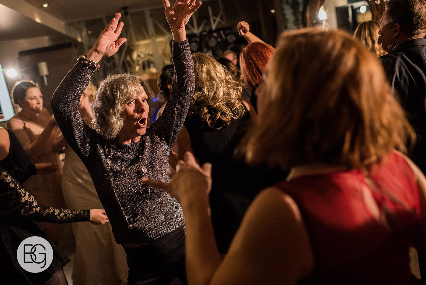 Edmonton_wedding_photographers_josh_sara_whyte_52.jpg