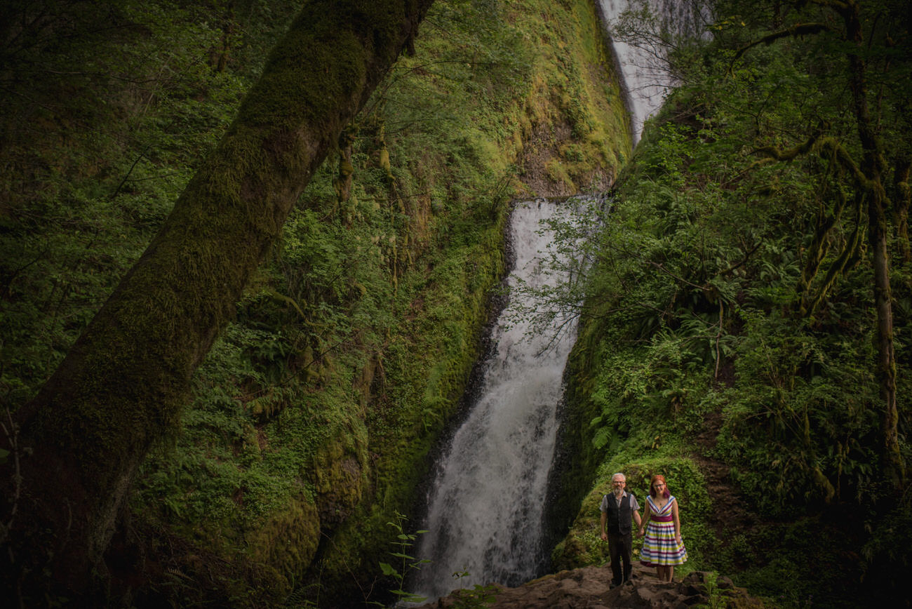 Portland_elopement_wedding_untraditional_wedding_photographers_01.jpg