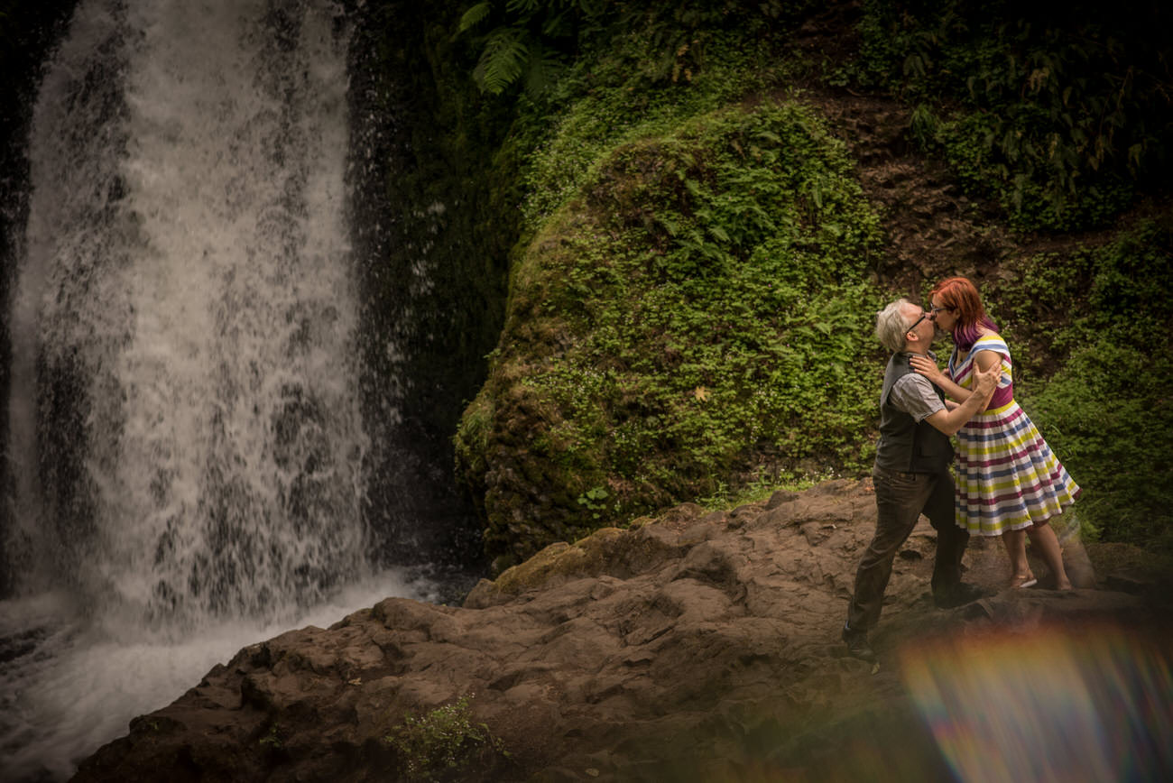 Portland_elopement_wedding_untraditional_wedding_photographers_41.jpg